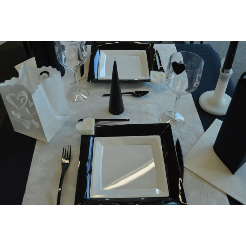 Decoration table noir et blanc pictures to pin on pinterest - Idee deco table noir et blanc ...