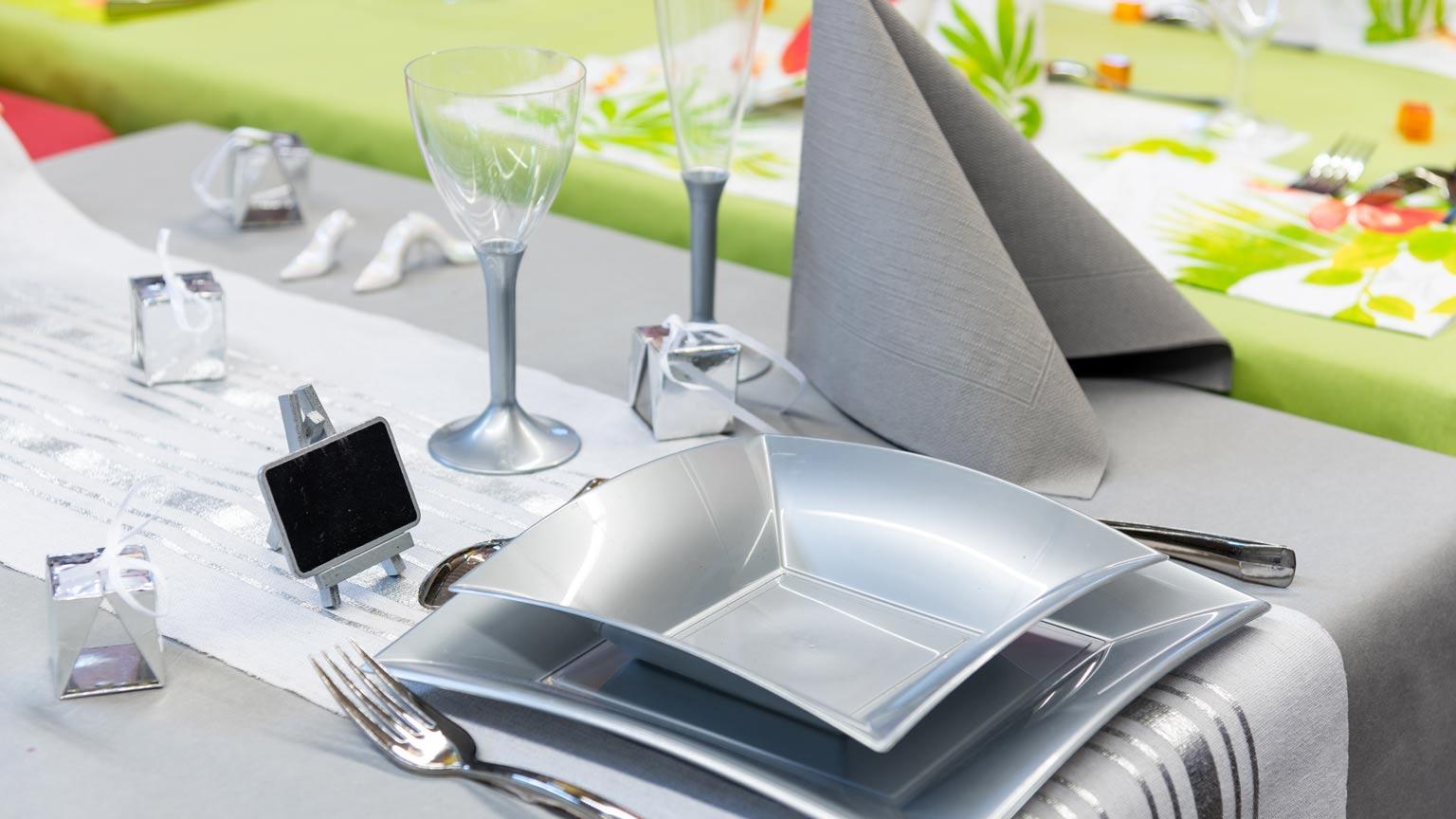 Stilvolle Dekoration für Ihre Partytische